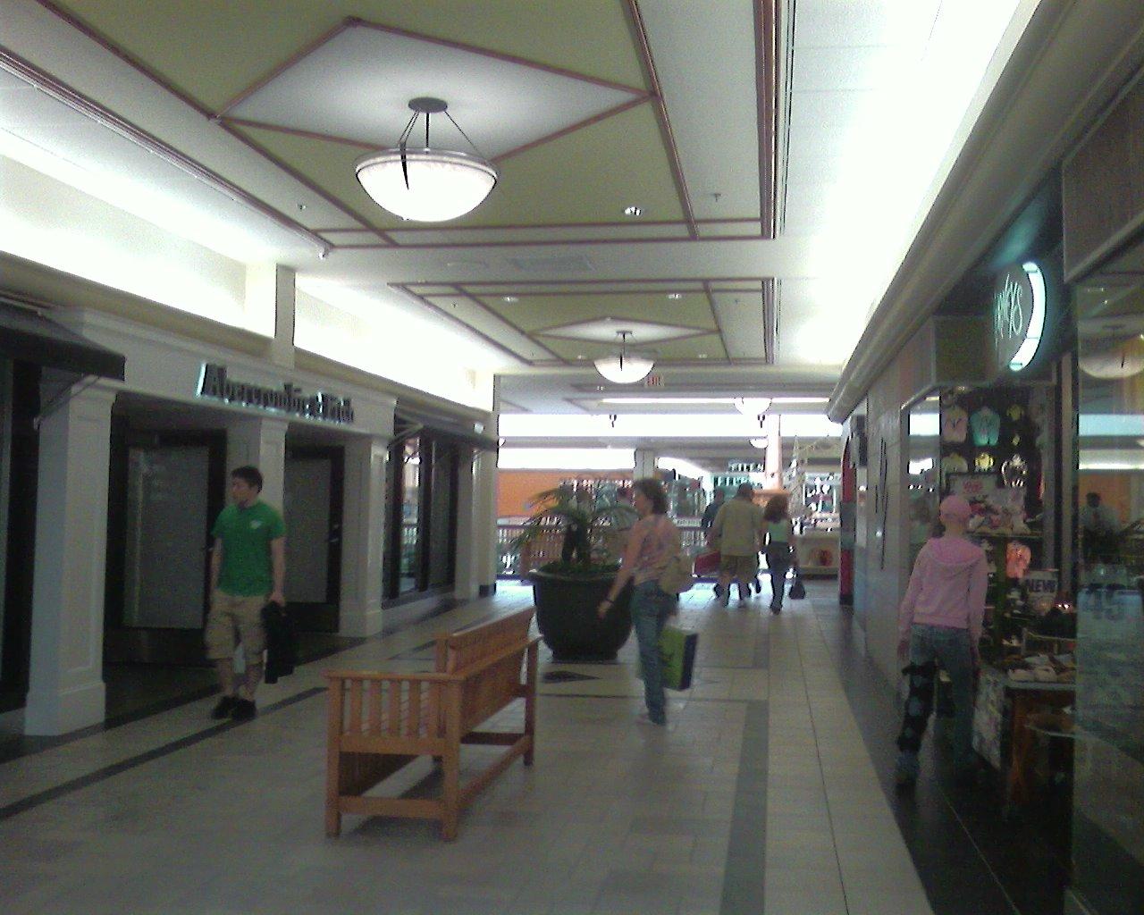 Labelscar The Retail History Blogburlington Town Center