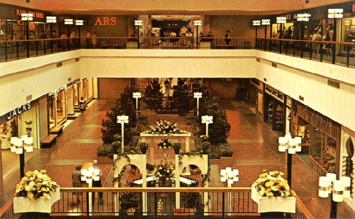 Midland Mall (Rhode Island Mall) in 1970