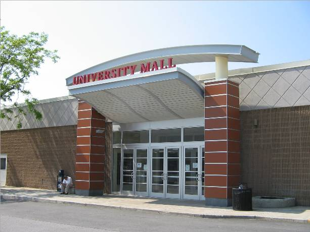 Mall Entrance to University Mall in South Burlington, VT