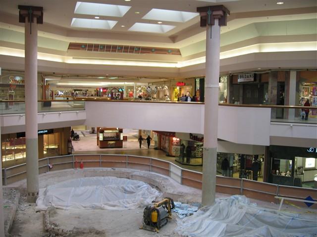 3 reviews of Aurora Mall