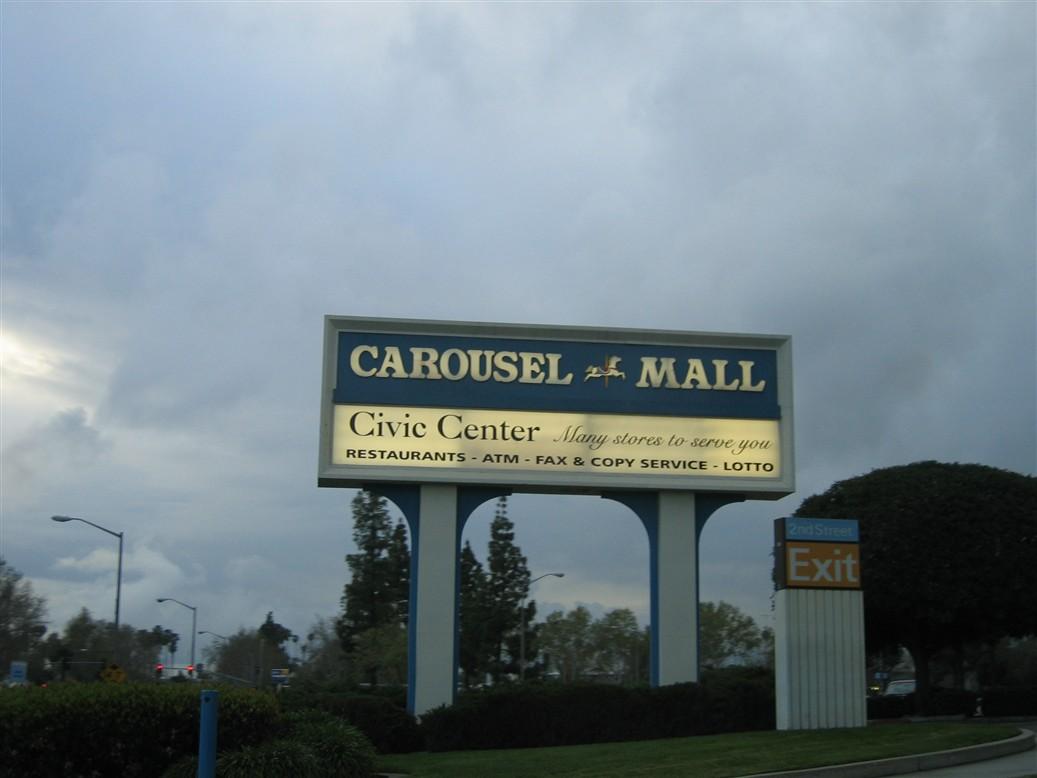 carousel-mall-01.jpg