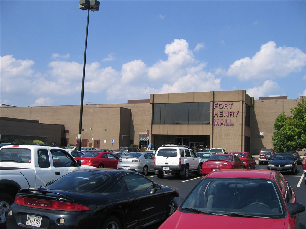 Fort Henry Mall exterior in Kingsport, TN