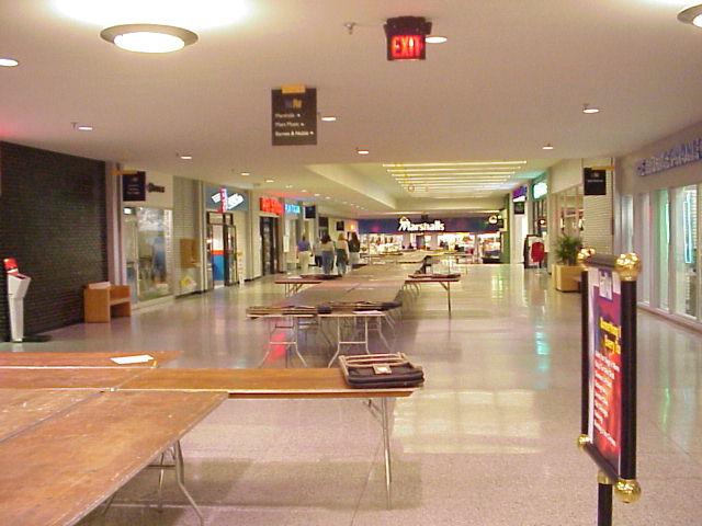 Restaurants Near Rosedale Mall Minnesota