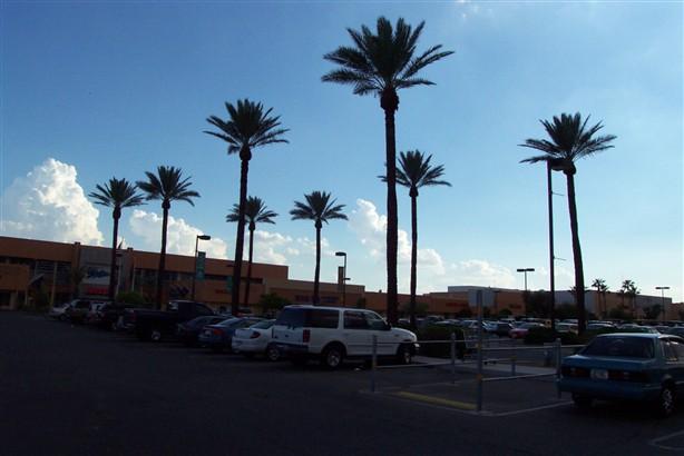 spectrum-mall-02.jpg