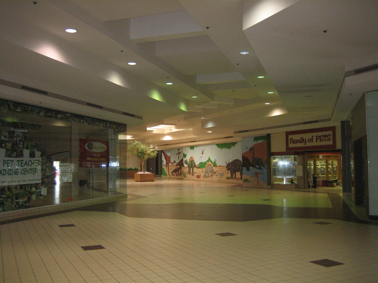 Summit Mall Stores >> Labelscar: The Retail History BlogSummit Place Mall ...