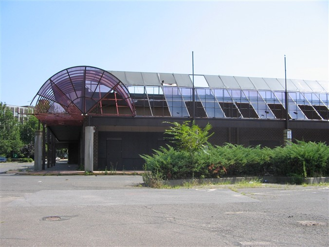 Abandoned Meriden Mall in Meriden, Connecticut