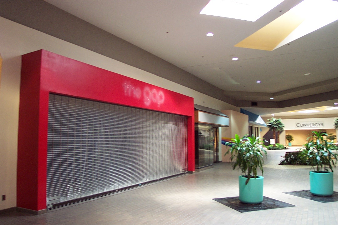 Clothing Stores at the Westfield Plaza Camino Real