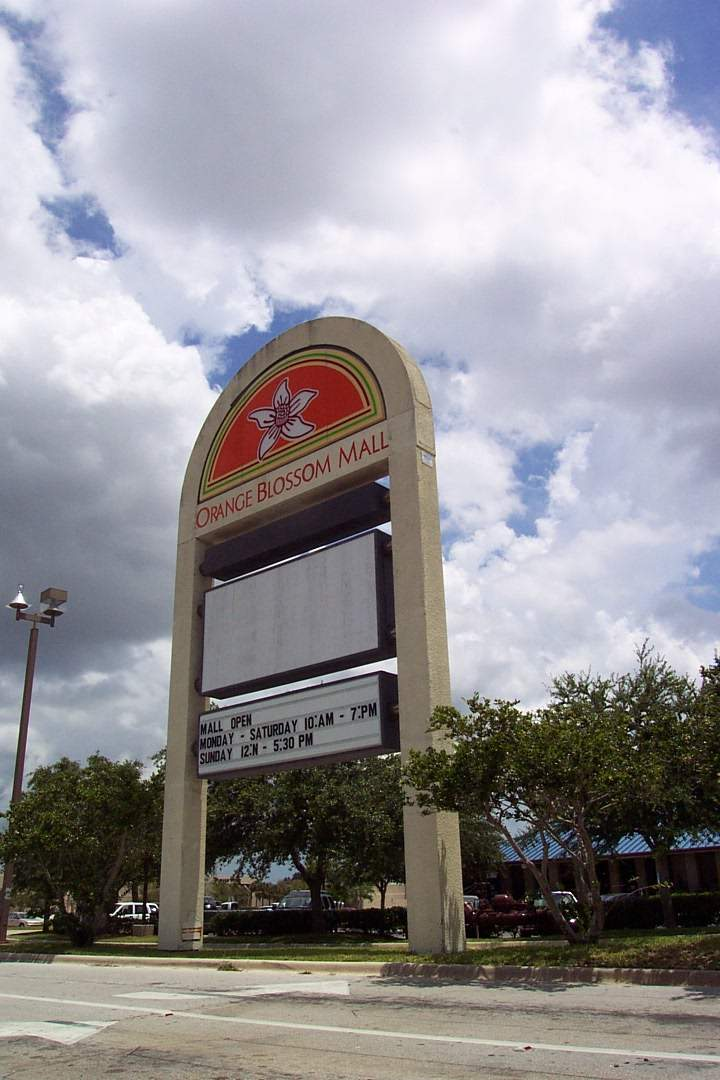 Orange Blossom Mall Pylon in Fort Pierce, FL