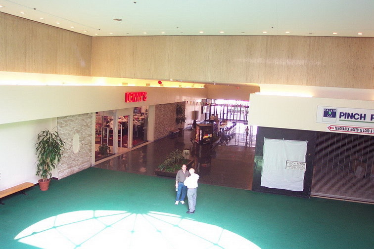 fashion-center-05.jpg