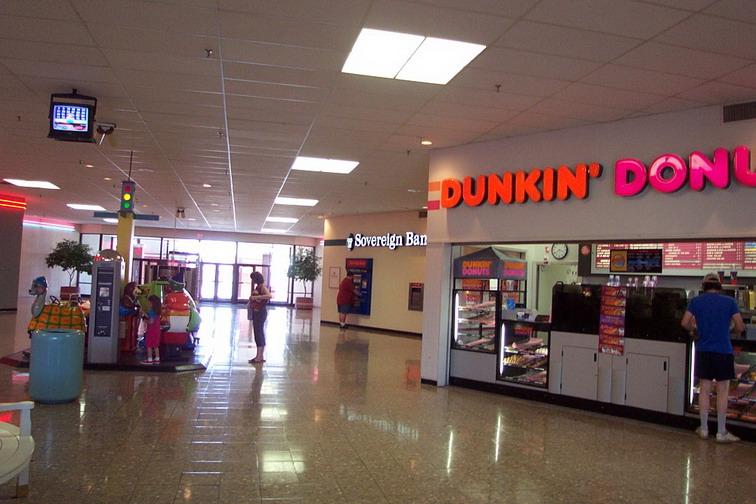 Lincoln Mall In Ri