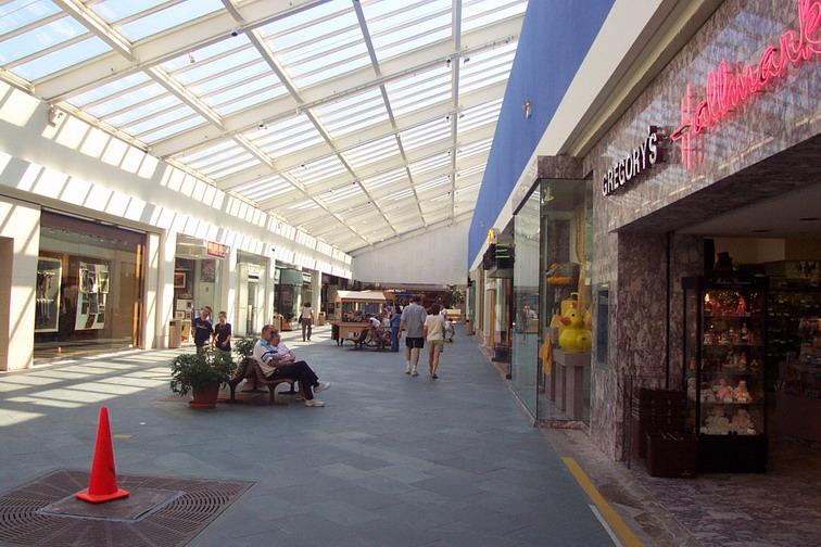 Paramus Park Mall; Paramus, New Jersey | Labelscar