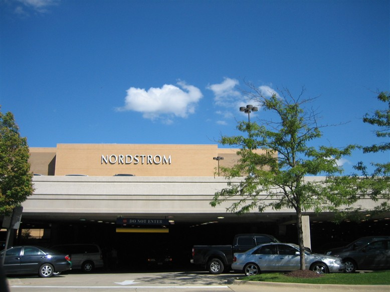 Labelscar: The Retail History BlogWoodfield Mall
