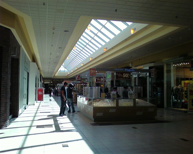 141aab9385e75 Labelscar  The Retail History BlogThe Mall at Whitney Field ...