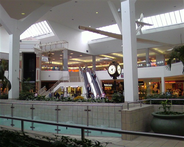 Center court at Arnot Mall in Horseheads, NY