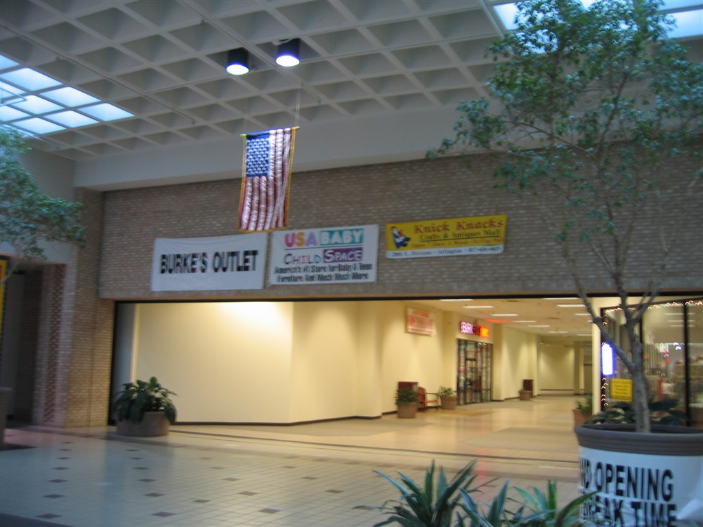Six Flags Mall former JCPenney in Arlington, TX