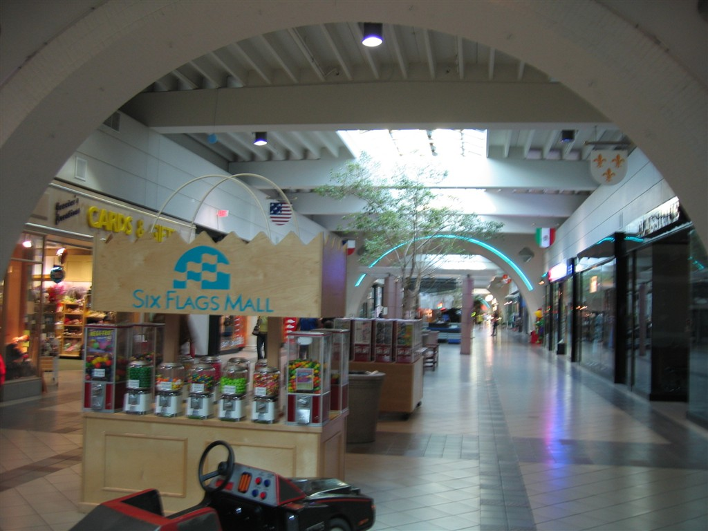 Six Flags Mall in Arlington, TX