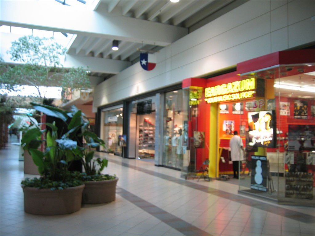 Shopping Centers Malls in Arlington on londonmetalumni.ml See reviews, photos, directions, phone numbers and more for the best Shopping Centers & Malls in Arlington, .