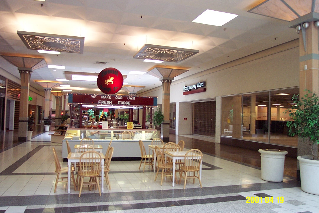 Home > Outlet Malls > Kansas City, KS Outlet Malls Kansas City, KS Outlet Malls Search outlet malls near Kansas City, KS to find the best and most convenient outlet shopping in the area.