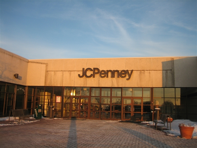 Muscatine Mall JCPenney in Muscatine, IA