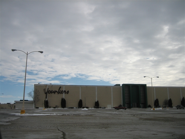 Kennedy Mall Younkers in Dubuque, IA