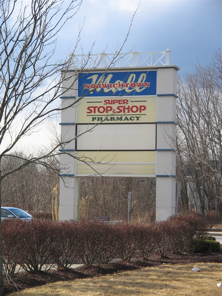 Malls In Ct >> Labelscar: The Retail History BlogNorwichtown Mall; Norwich, Connecticut - Labelscar: The Retail ...