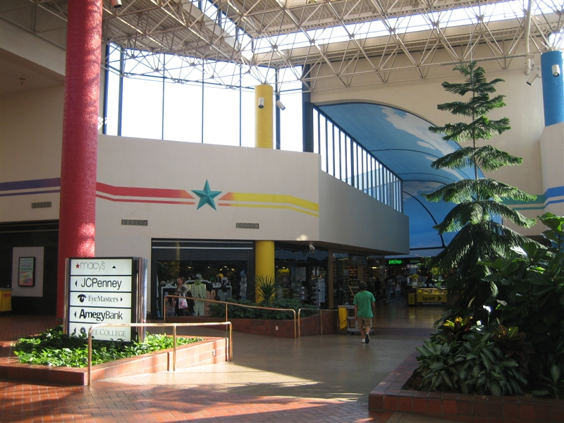 San Jacinto Mall in Baytown, TX