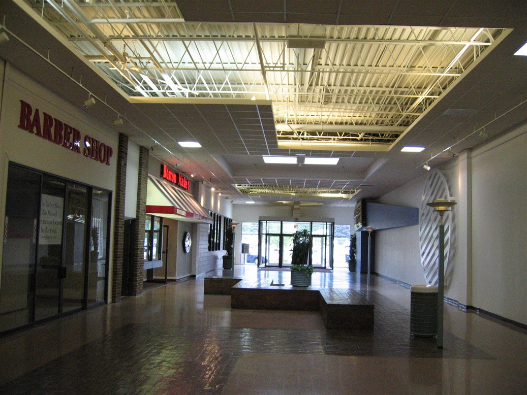 Deerbrook Mall in Northbrook, IL
