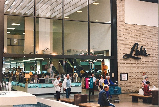 Leh's at Whitehall Mall in 1994