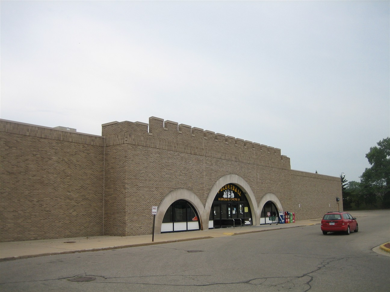 Livonia Mall former Child World/Children's Palace castle in Livonia, MI