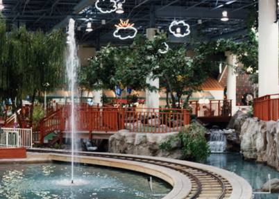 Second floor amusement area of River Falls Mall in 1993, with the putt putt area in the foreground.