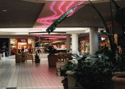 River Falls Mall center court, 1993, facing towards the Wal-Mart wing.