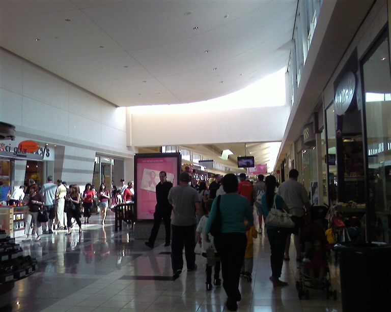 2007 Mall Ceiling Shift In Front Of Macy S At Walt Whitman Huntington Station New