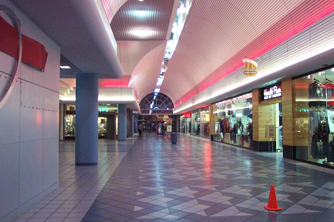 west county mall hours christmas eve