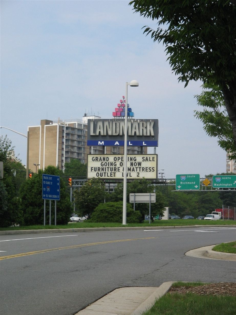 Alexandria Landmark Mall sign in July 2006