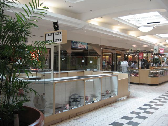 Palm Beach Mall In West Fl 2007 Photo By Michael Lisicky