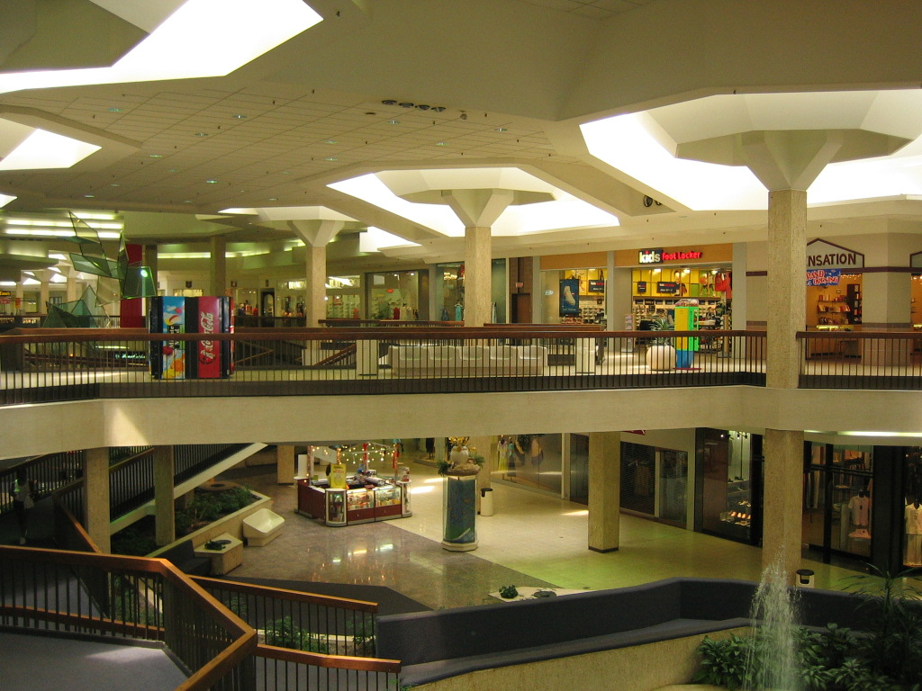 Highland Square Akron >> Labelscar: The Retail History BlogRandall Park Mall; North ...