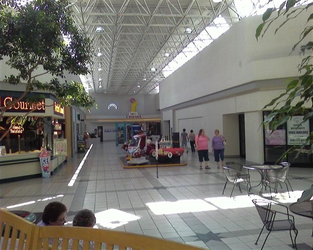 Labelscar: The Retail History BlogFairgrounds Square Mall