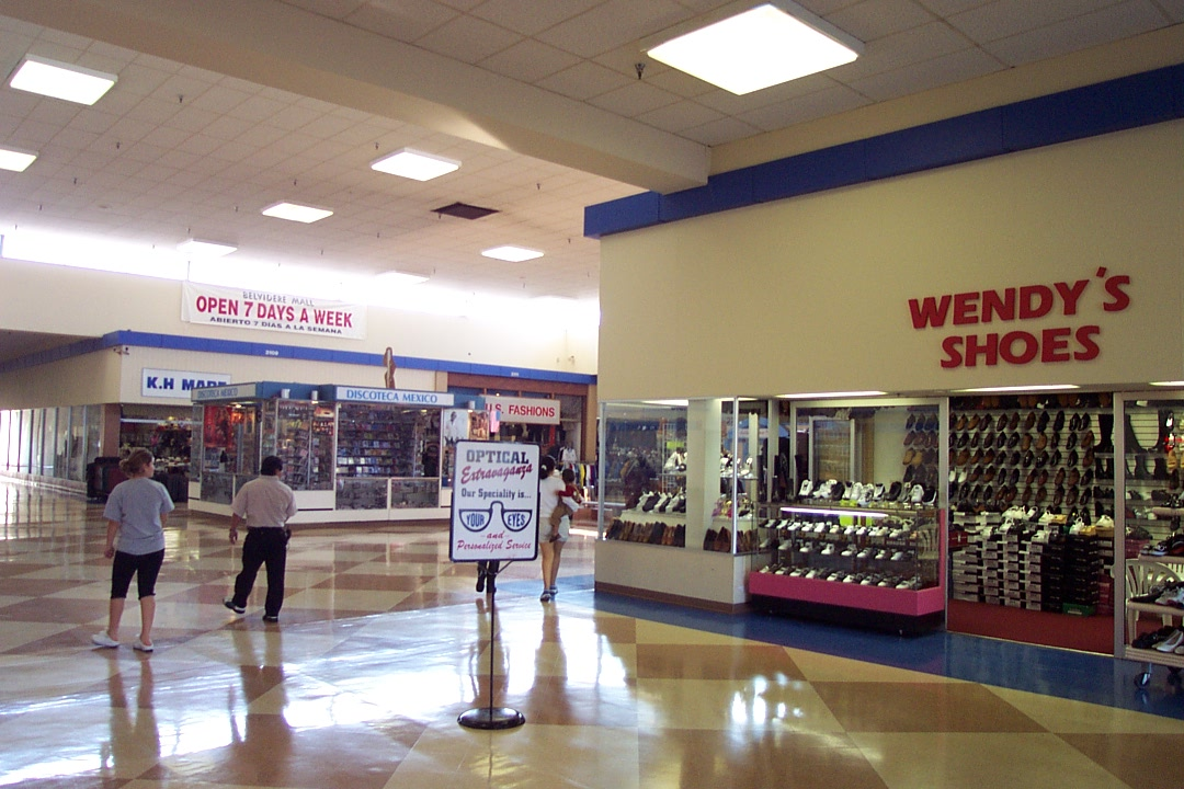 Belvidere Mall in Waukegan, IL
