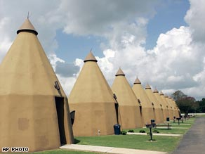 Tee Pee Motel in Wharton, Texas