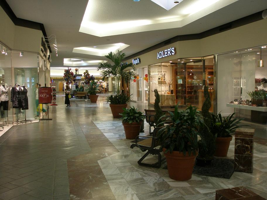 Lakeside Shopping Center is the premiere shopping destination in the New Orleans Metro area with over stores including Dillard's, JCPenney and Macy's. Experience Lakeside and our dining with Bravo!, Cafe Du Monde, Sucre, The Cheesecake Factory and our newly redesigned Food Court/5(79).