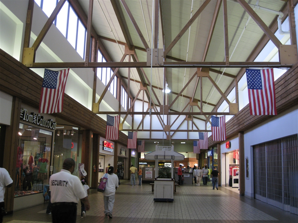 Sawmill Square Mall in Laurel, MS