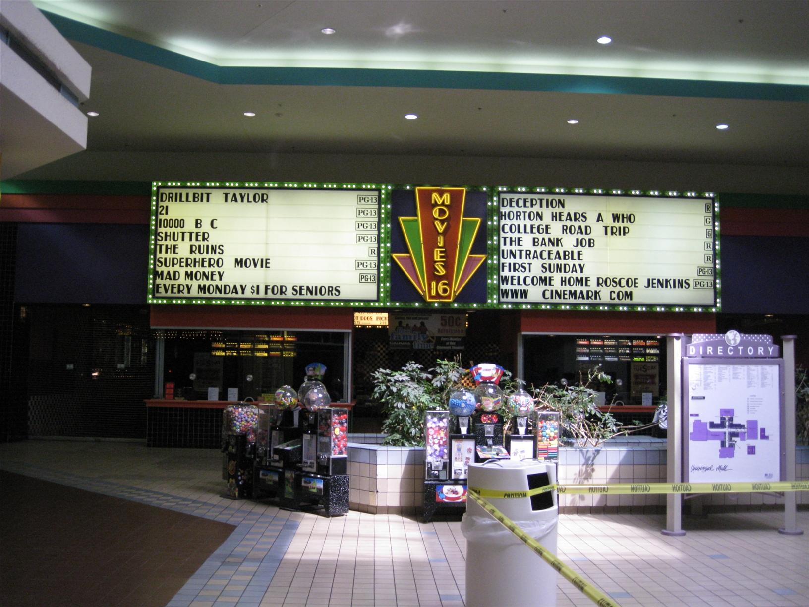Universal Mall theatres in Warren, MI