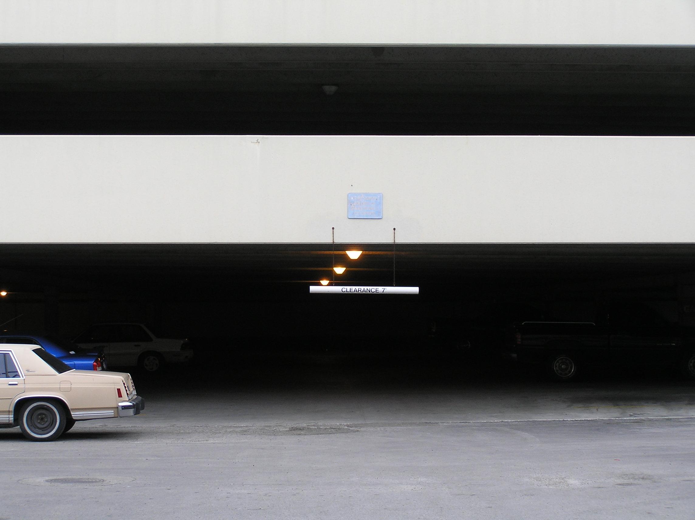 02-the-gloomy-garage.JPG