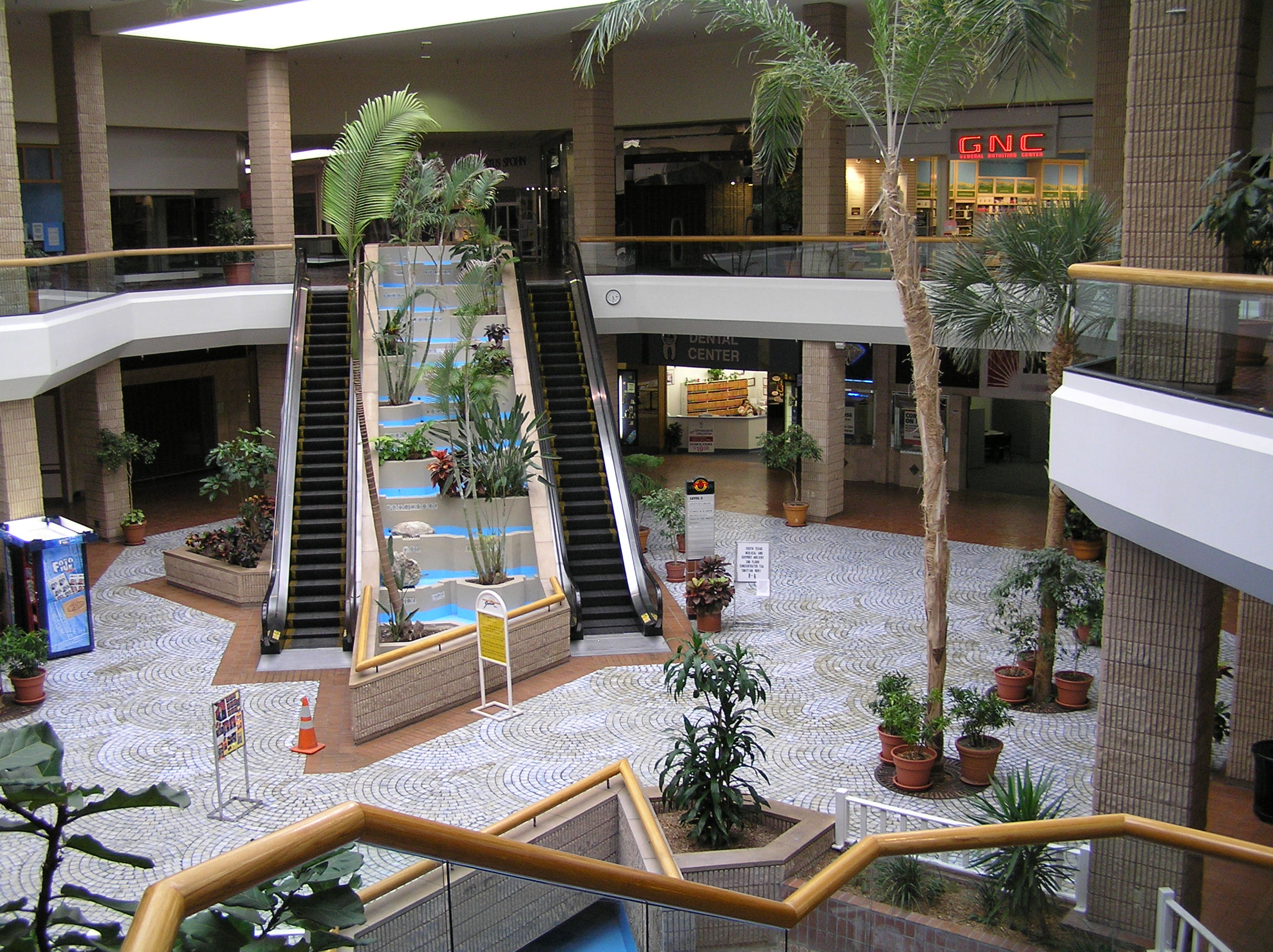 Sunrise Mall center court in Corpus Christi, TX