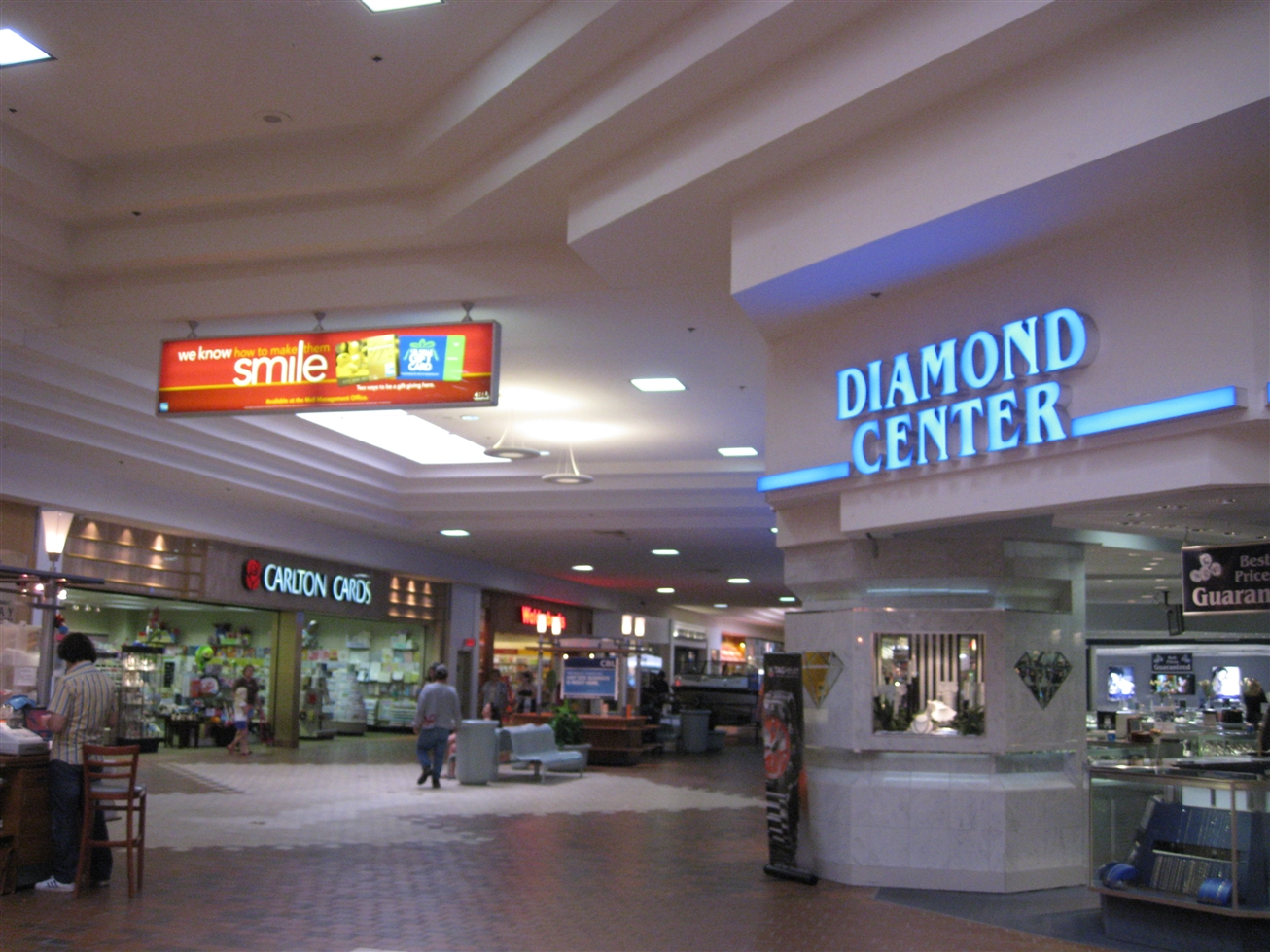 Janesville Mall Diamond Center in Janesville, WI