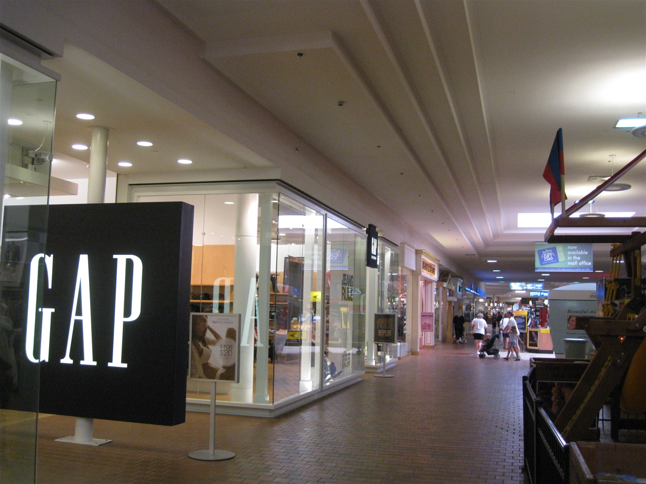 Janesville Mall Gap in Janesville, WI