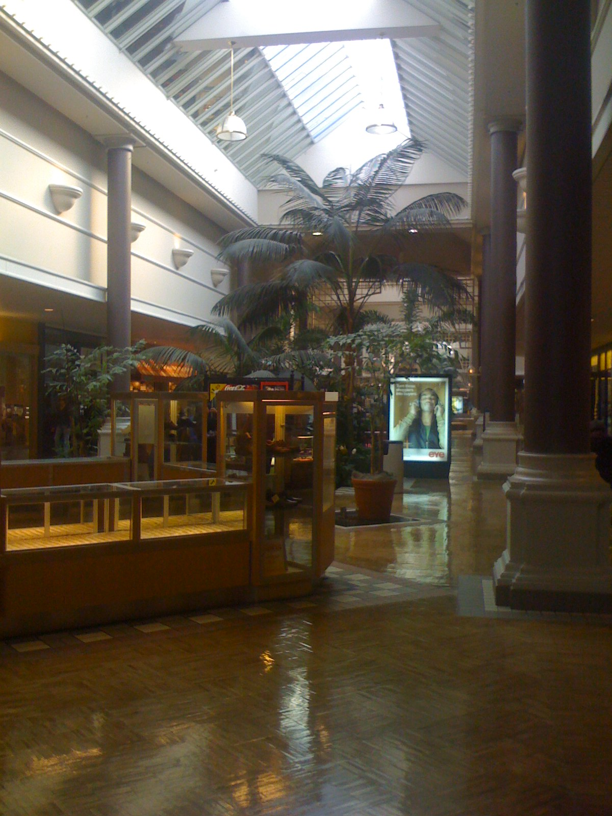 Learn more about Northgate Mall, Opens a popup Specialties With its scenic splendor, unique cultural attractions and events, and close proximity to San Francisco, Marin County is both a