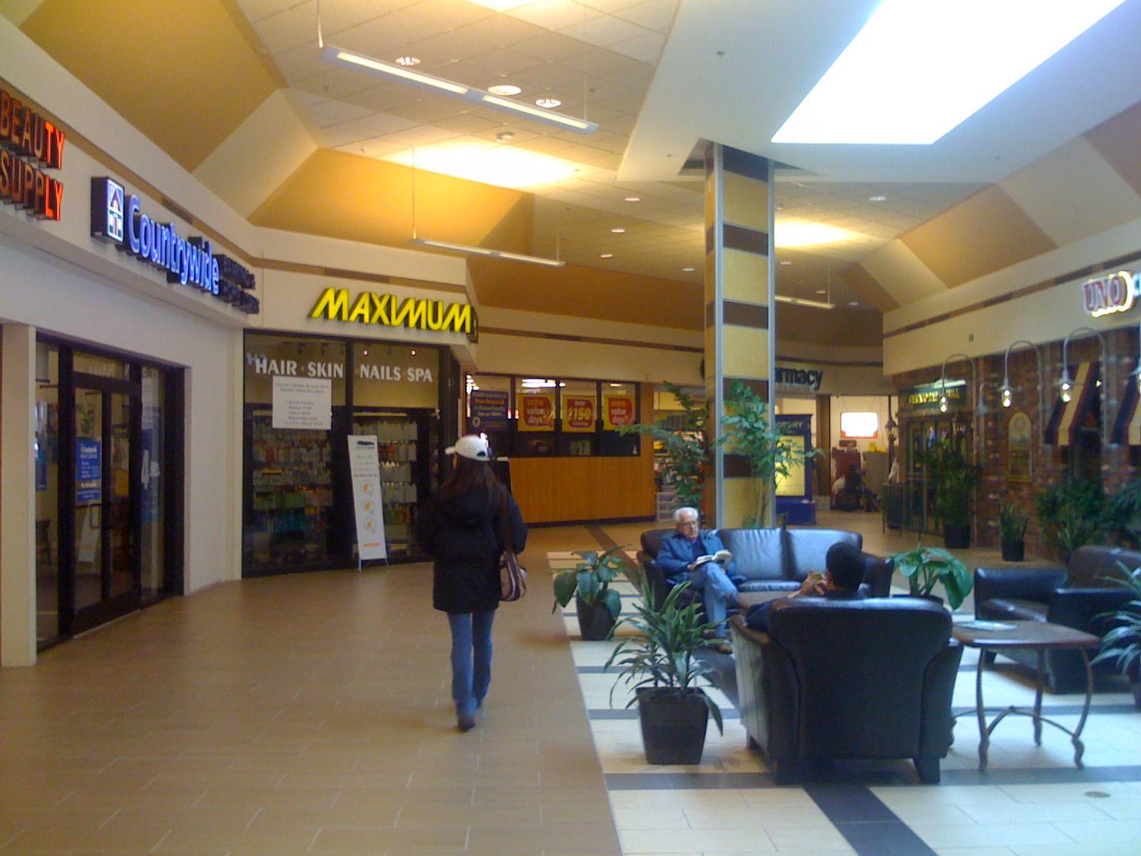 Machusetts Woburn Mall In