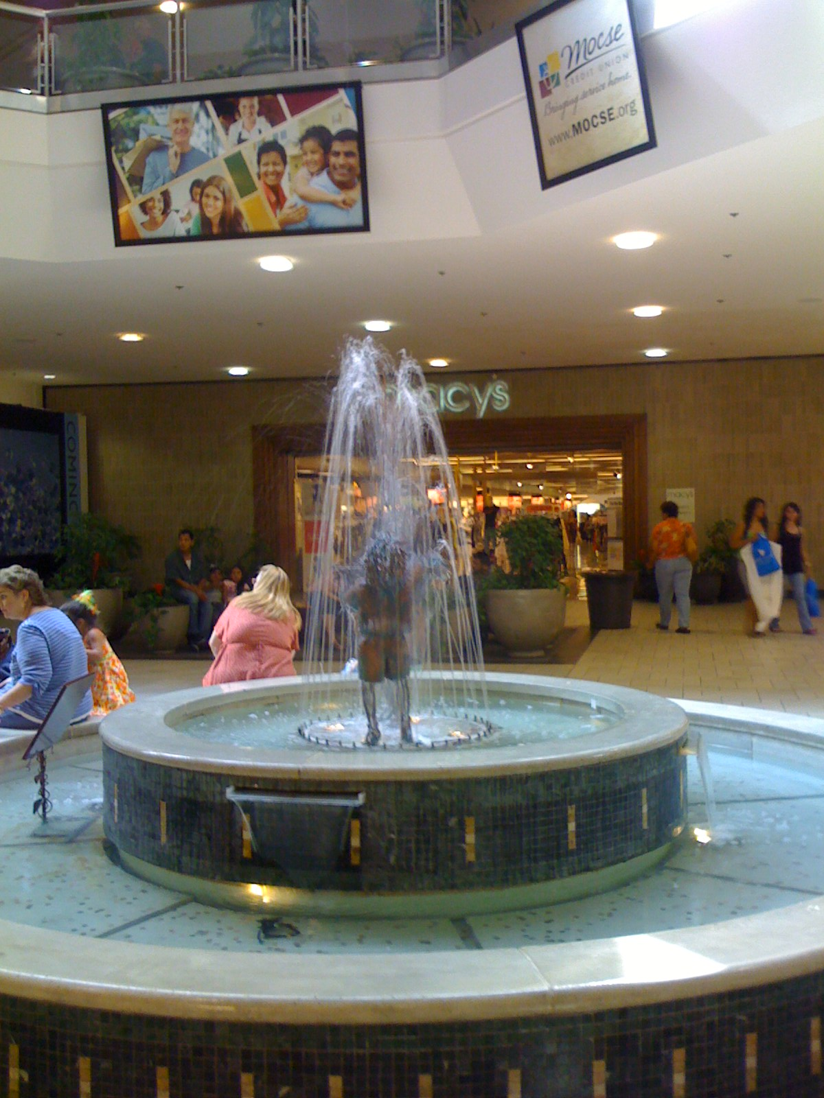 Washington Square Mall >> Labelscar: The Retail History BlogVintage Faire Mall; Modesto, California - Labelscar: The ...