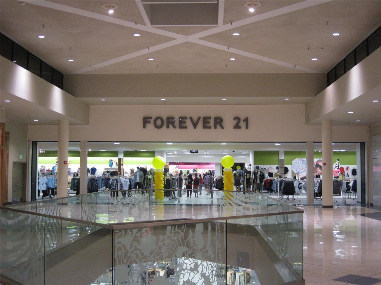 Tucson Mall Forever 21 in Tucson, AZ
